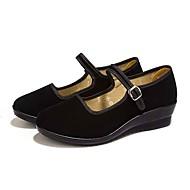 Dame Flate sko Komfort Lette såler Tekstil Vår Høst Daglig Gange Komfort Lette såler Spenne Kilehæl Svart 2,5 - 4,5 cm
