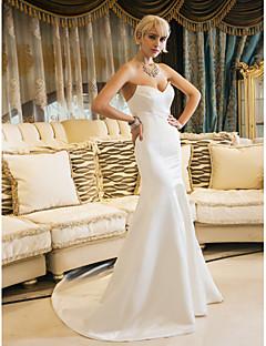 Sellő fazon Szív-alakú Udvari uszály Szatén Esküvői ruha val vel Ráncolt által LAN TING BRIDE®
