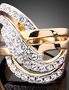 İfadeli Yüzükler Kübik Zirconia Altın Kaplama imitasyon Pırlanta 24K Plated Gold alaşım Moda Ekran Rengi Mücevher Parti 1pc