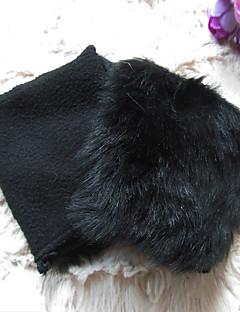 kvinners fuskepels håndleddet lengde halv finger dyr print søt / fest / tilfeldige vinter khaki / sort hansker