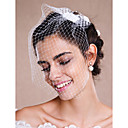 preiswerte LED Glühbirnen-Einschichtig Rohkante Hochzeitsschleier Gesichts Schleier / Schleier für kurzes Haar / Kopfbedeckung mit Schleier mit Perle Tüll