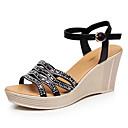 preiswerte Damen Sandalen-Damen Schuhe Mikrofaser Sommer Komfort Sandalen Keilabsatz Peep Toe Weiß / Schwarz / Keilabsätze