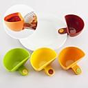 halpa Ruoanlaittovälineet-Kitchen Tools Muovi Ruoanlaittovälineet Creative Kitchen Gadget Tong for Pizza / Sandwich / Salaatti 4kpl