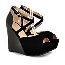 abordables Tocados de Fiesta-Mujer Zapatos Confort PU Verano Tacones Tacón Cuña Negro / Beige / Almendra / Diario