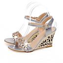 זול סנדלי נשים-בגדי ריקוד נשים נעלי נוחות סינטטיים קיץ סנדלים עקב טריז לבן / כסף / כחול