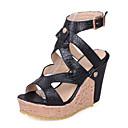hesapli Kadın Sandaletleri-Kadın's Sandaletler Konforlu Ayakkabılar Dolgu Topuk PU Bahar Beyaz / Siyah