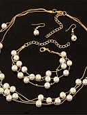 זול חולצה-בגדי ריקוד נשים פנינה שכבות סט תכשיטים - פנינה אופנתי, אלגנטית, ירח דבש לִכלוֹל עגילי טיפה / שרשרת / שרשרת פנינים כסף / מוזהב עבור חתונה / Party / יומי / עגילים / שרשראות