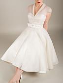 זול שמלות קוקטייל-גזרת A צווארון V באורך  הברך טול גב פתוח מסיבת קוקטייל שמלה עם כפתורים / סרט על ידי LAN TING Express