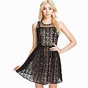 女性の刺繍ノースリーブのドレスより多くの色