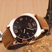 男性のカレンダーベルトの腕時計