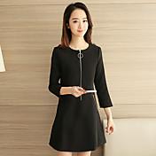 カジュアルなドレスの女性の2017年春の新しいファッションの潮緩いスリーブドレスに署名