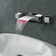 Χαμηλού Κόστους LED Series-Σύγχρονο Επιτοίχιες Καταρράκτης LED with  Κεραμική Βαλβίδα Δύο λαβές τρεις οπές for  Χρώμιο , Μπάνιο βρύση νεροχύτη