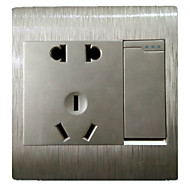 o ouro tomada interruptor de parede escovado