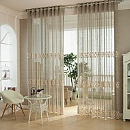 billige Gjennomsiktige gardiner-Stanglomme Et panel Window Treatment Europeisk , Hult ut Soverom Polyester Materiale Gardiner Skygge Hjem Dekor