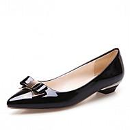 tanie Small Size Shoes-Damskie Skóra patentowa / Mikrowłókno Wiosna / Lato Wygoda / Zabawne Szpilki Spacery Niski obcas Nasek w szpic Kokarda Biały / Czarny / Różowy / Ślub / Impreza / bankiet / Formalne spotkania
