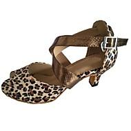 Недорогие -Для женщин Латина Сатин Сандалии Для закрытой площадки Каблуки на заказ Черный Цвет-леопард