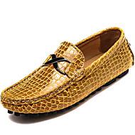 baratos Sapatos Masculinos-Homens Mocassim Pele Napa Primavera / Outono Conforto Mocassins e Slip-Ons Preto / Amarelo / Azul / Festas & Noite
