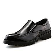 tanie Small Size Shoes-Męskie Buty PU Derma Skóra patentowa Wiosna Jesień Comfort Mokasyny i pantofle na Casual Black Czerwony Niebieski