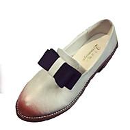baratos Oxfords Femininos-Mulheres Sapatos Borracha Primavera / Outono Conforto Oxfords Salto Robusto Ponta Redonda Branco / Preto / Cinzento