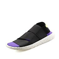 tanie Obuwie męskie-Męskie Komfortowe buty PU Lato Sandały Czarny / Fioletowy / Czarny biały