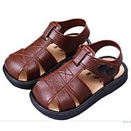 tanie Obuwie chłopięce-Dla chłopców Obuwie Skóra PVC Lato Wygoda Sandały na Czarny / brązowy