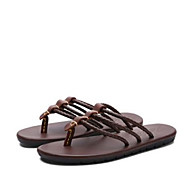 baratos Sapatos Masculinos-Homens Sapatos Confortáveis Couro Verão Casual Chinelos e flip-flops Branco / Preto / Marron