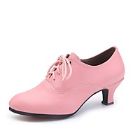 Γυναικεία Μοντέρνα παπούτσια Φο Δέρμα Τακούνια Κουβανικό Τακούνι Εξατομικευμένο Παπούτσια Χορού Ασημί / Κόκκινο / Ροζ