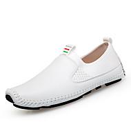 baratos Sapatos Masculinos-Homens Sapatos de couro Couro Primavera Verão Casual Mocassins e Slip-Ons Respirável Branco / Preto / Azul