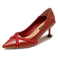 baratos Sapatos Femininos-Mulheres Couro Ecológico Primavera Casual Saltos Salto Agulha Tachas Preto / Bege / Vermelho