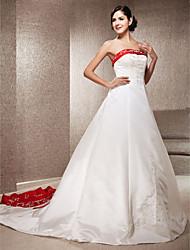 abordables -Corte en A Princesa Sin Tirantes Catedral Satén Vestido de novia con Apliques Bordado por LAN TING BRIDE®