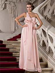 economico -Guaina / colonna un vestito chiffon da promenade di lunghezza del pavimento della damigella d'onore della spalla con il drappeggio da ts couture®