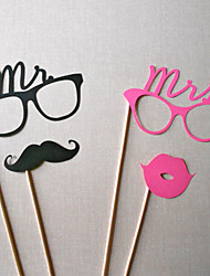 Wedding Décor Mr&Mrs Photo Booth Props (4 Pieces)