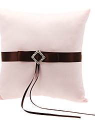 Cuscino anello di nozze in raso bianco con Brown Poliestere Banding e strass