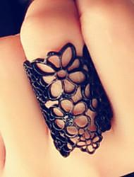 abordables -mode chanceuse des femmes star découper fleur anneau épais style élégant