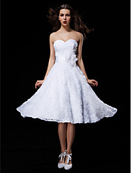 Ball Gown Sweetheart Knee Length Lace Taffeta Wedding Dress with Sash / Ribbon Bow Criss-Cross Flower Ruche by LAN TING BRIDE®