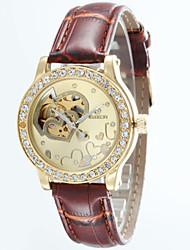 baratos -Mulheres Relógio de Pulso Impermeável Couro Banda Amuleto / Fashion / Relógio Elegante Marrom / Automático - da corda automáticamente