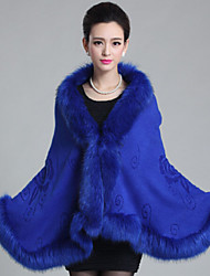 Sleeveless Faux Fur Wedding Wedding  Wraps Fur Coats Hoods & Ponchos With Feathers / fur Capes