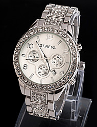 cheap -Geneva Women's Quartz Wrist Watch Imitation Diamond Alloy Band Sparkle Dress Watch Fashion Silver Gold