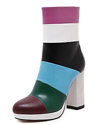 baratos -Mulheres Sapatos Courino Outono Conforto Salto Robusto 5.08-10.16 cm / Botas Curtas / Ankle Preto / Marron