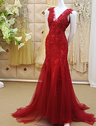 Mermaid / Trumpet V-neck Sweep / Brush Train Lace Tulle Formal Evening Dress with Beading Appliques Sequins by DRRS