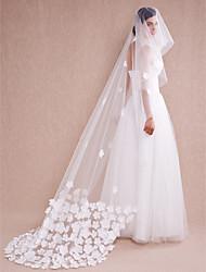 Недорогие -Свадебные вуали Один слой Фата для венчания Кружевная кромка Тюль Цвет слоновой кости