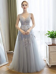 Sheath / Column V-neck Sweep / Brush Train Lace Tulle Prom Formal Evening Dress with Lace by Embroidered bridal