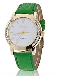 baratos -Mulheres Relógio de Pulso imitação de diamante PU Banda Amuleto / Fashion / Relógio simulado de diamantes Preta / Branco / Azul