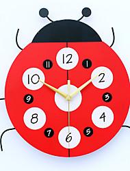 Moderno/Contemporaneo Cucce Orologio da parete,Altro Metallo / Legno 33*32cm Al Coperto Orologio