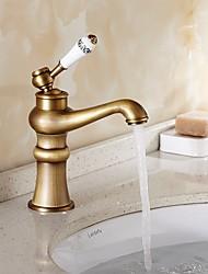 Недорогие -Ванная раковина кран - Широко распространенный Античная медь По центру Одной ручкой одно отверстиеBath Taps