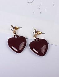 Brinco Amor Jóias de Luxo Resina imitação de diamante Liga Formato de Coração Vermelho Jóias Para Diário Casual 1 par