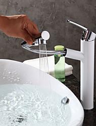Contemporary Art Deco/Retro Centerset Pullout Spray Ceramic Valve One Hole Single Handle One Hole Painting , Bathroom Sink Faucet