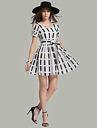 Zeichen Sommer neue europäische Stationen puff V-Ausschnitt Bogenspitze dünne Taille Kleid war