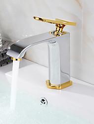 Недорогие -Современный По центру Широко распространенный Керамический клапан Одной ручкой одно отверстие Хром, Ванная раковина кран
