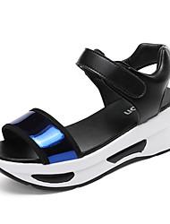 preiswerte -Damen Schuhe Leder Mikrofaser Frühling Sommer Club-Schuhe Komfort Neuheit Gladiator Sandalen Flacher Absatz für Hochzeit Sportlich Normal